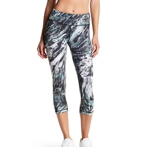 💥 Vimmia Marble Abstract Crop Leggings